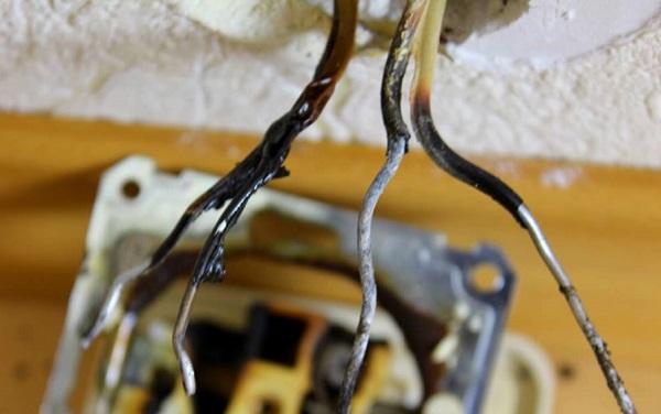Основные причины для замены проводки